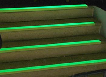 Rouleau de 3 m de bande autocollante phosphorescente