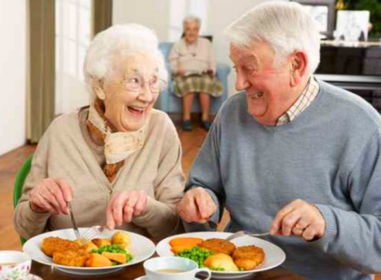 Douleurs intestinales des personnes âgées - Blog - SenUp